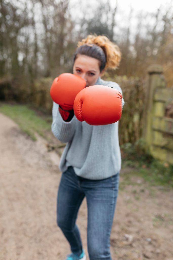 Maria aan het boksen